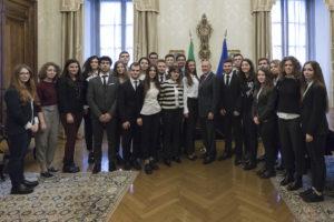 oto di gruppo degli Alfieri del Lavoro con il Presidente del Senato